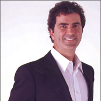 Dr Bruce Chisholm